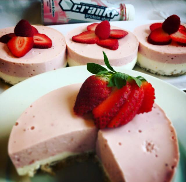No_bake_Crankt_Strawberry_cheesecake
